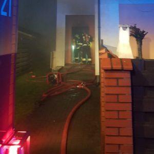 W Plewiskach spłonął parter budynku