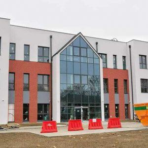 Szkoła w Wirach prawie na finiszu