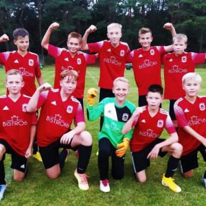 Udany początek młodych piłkarzy