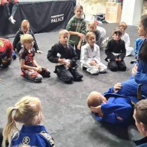 """""""Wojownik"""" nauczy jiu jitsu"""